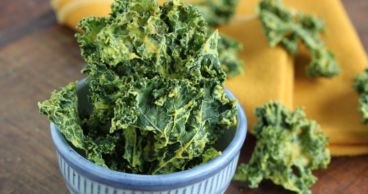 Cheesy Miso Kale Chips - happy eats healthy